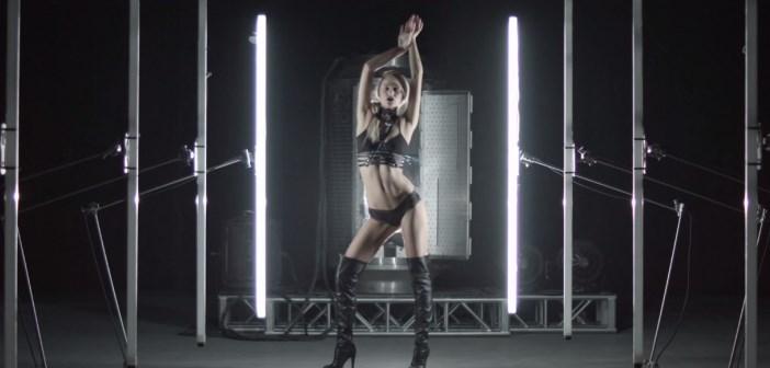 Kate Compton dans le clip autonomie