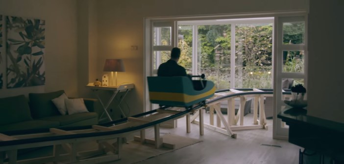 Il installe une montagne russe dans sa maison pour la vendre - Pour vendre une maison que faut il faire ...