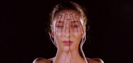 """Le mapping du visage d'Emmy Curl dans le Clip """"Come Closer"""""""