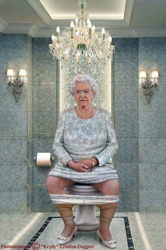 La reine d'angleterre Élisabeth II sur le trône (toilettes)