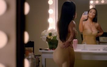 Kim Kardashian se prend en Selfie
