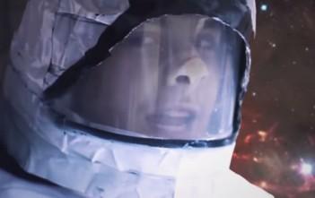 interstellar suédé par Chandler Perry