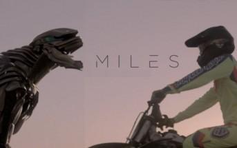 Miles : un jeune motard se lie d'amitié avec un robot militaire