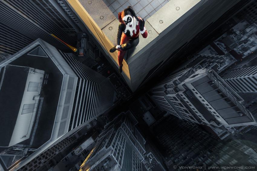 Superheroes on Skyscrapers : Harley Quinn
