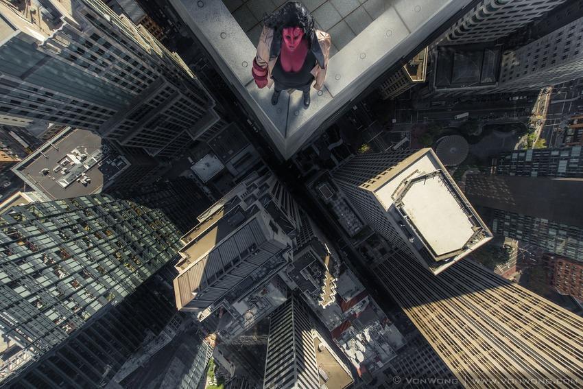 Superheroes on Skyscrapers : Hell Girl