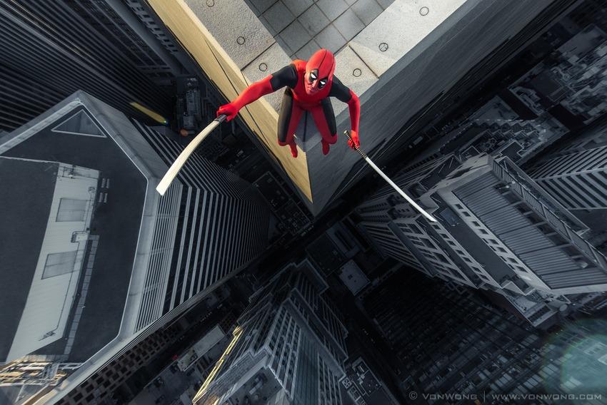 Superheroes on Skyscrapers : deadpool