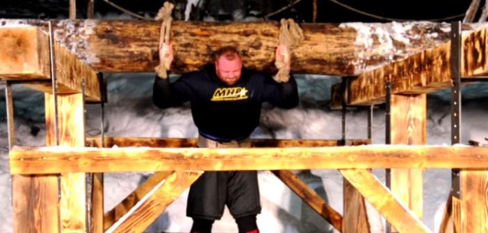 La Montagne de Game of Thrones soulève un arbre de 640kg