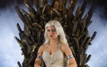Game of bones : khaleesi trone sextoy