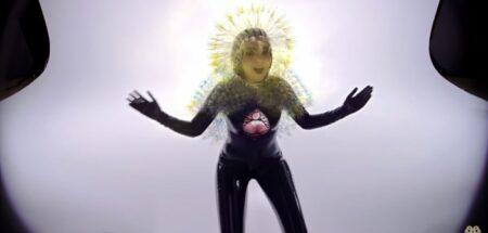 clip Lionsong Björk