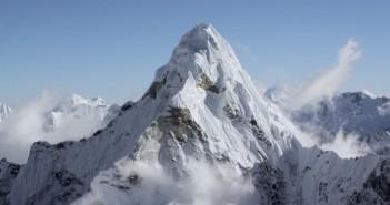 Ama Dablam entre le mont Everest et Lhotse - Himalaya