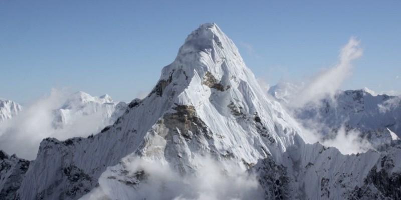 L-Ama Dablam entre le mont Everest et Lhotse - Himalaya