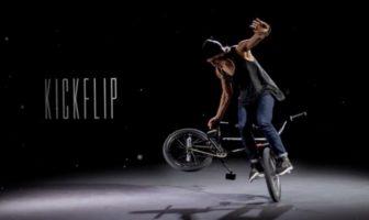 Viki Gomez réalise un kickflip en bmx filmé en bullet-time par Christian Van Hanja
