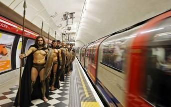 Des hommes déguisés en 300 dans le métro à Londres