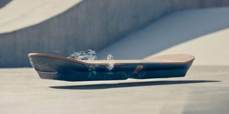 slide : l'hoverboard (skate volant) de Lexus