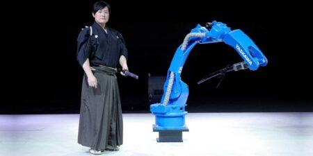 yaskawa bushido project : samouraï vs robot au sabre katana