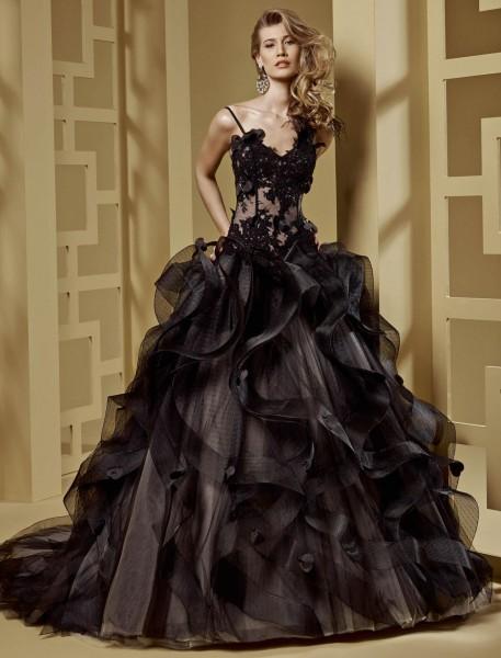 Une robe de marie noire ! Mademoiselle Dentelle