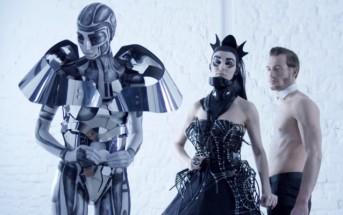 Queen Brushands : un robot esclave se venge de la Reine du mal