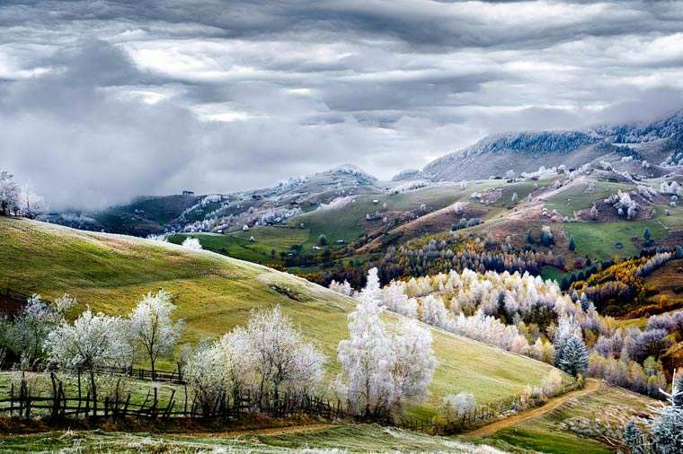 Romania, Land of Fairy Tales - Eduard Gutescu