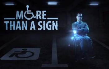 hologramme sur une place de parking handicapé en Russie