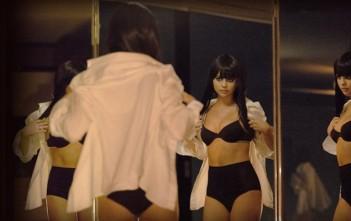 Selena Gomez sexy en lingerie dans le clip 'Hands To Myself'