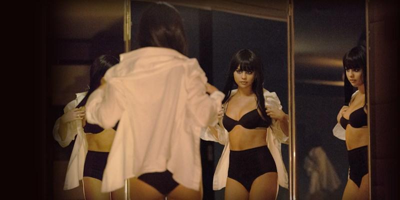 Selena Gomez sexy en lingerie dans le clip'Hands To Myself'