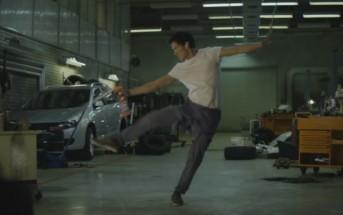 Pub Cillit Bang 2016 : il fait le ménage en musique sur Flashdance