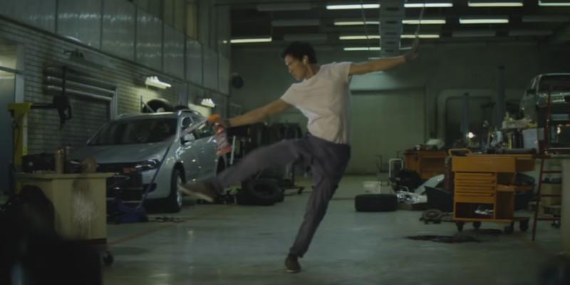 """Pub Cillit Bang 2016 Flashdance avec le danseur Daniel """"Cloud"""" Campos"""