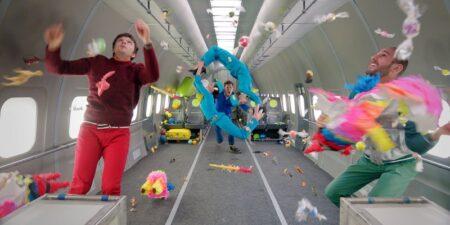 OK Go - Upside Down & Inside Out : le clip tourné en apesanteur dans un avion