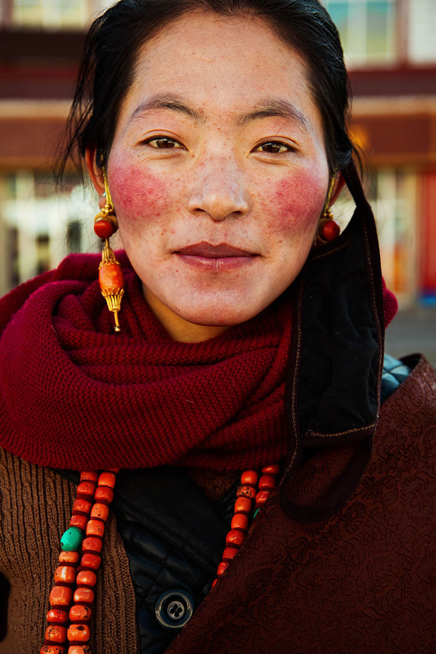 The Atlas of Beauty : femme du Tibet Chine