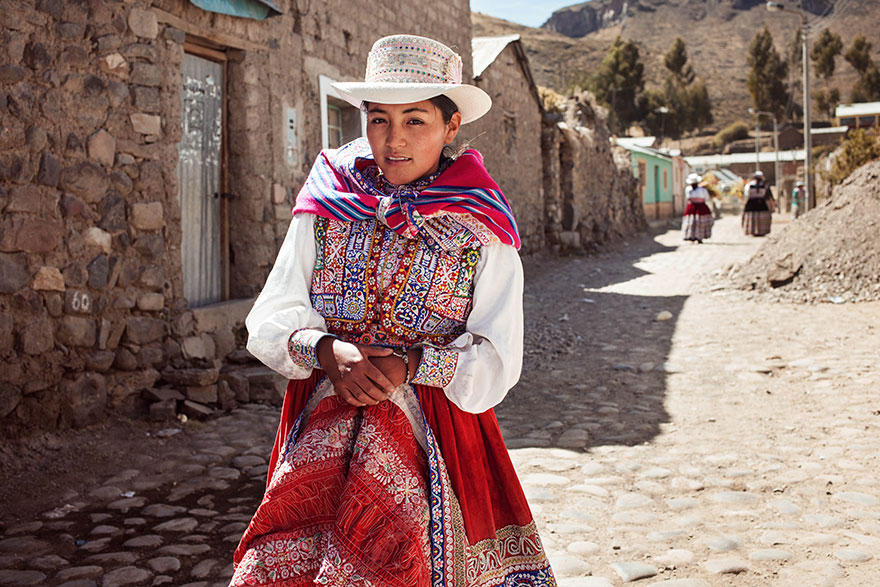 The Atlas of Beauty : femme de la Vallée de Colca, Pérou