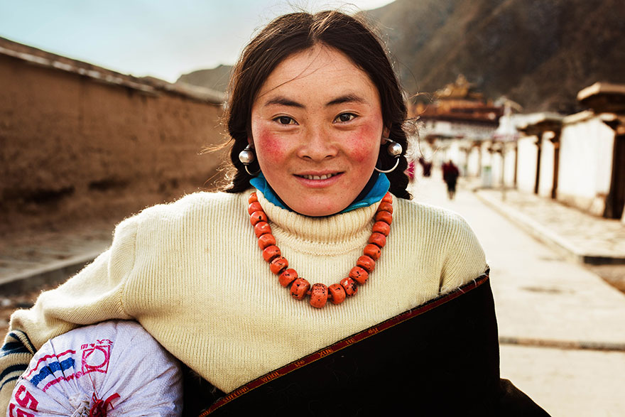 The Atlas of Beauty : femme du Tibet, Chine