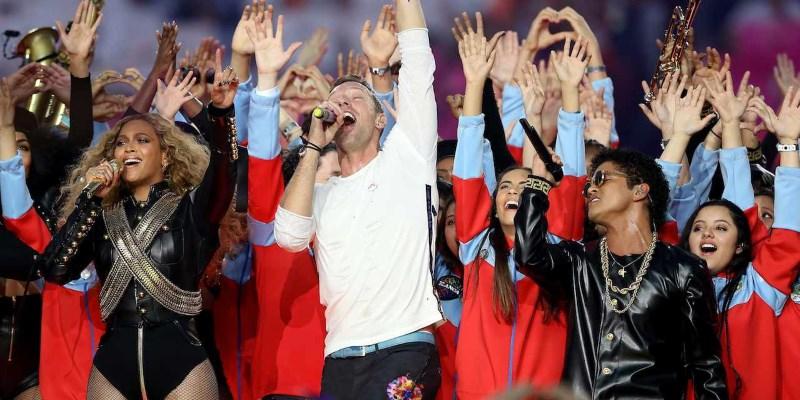 Coldplay, Brunos Mars & Beyoncé lors du Super Bowl 2016