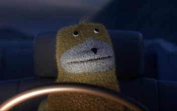 flat eric dans le clip 'hand on fire' de Mr Oizo