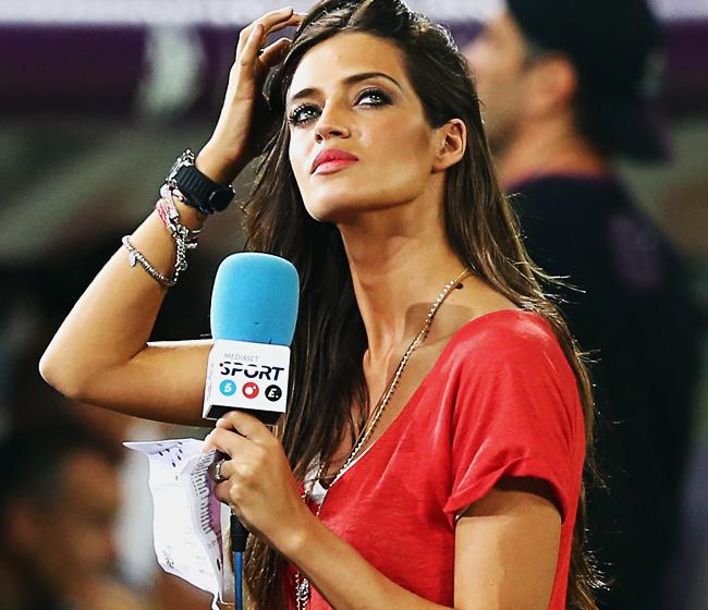 journaliste sexy