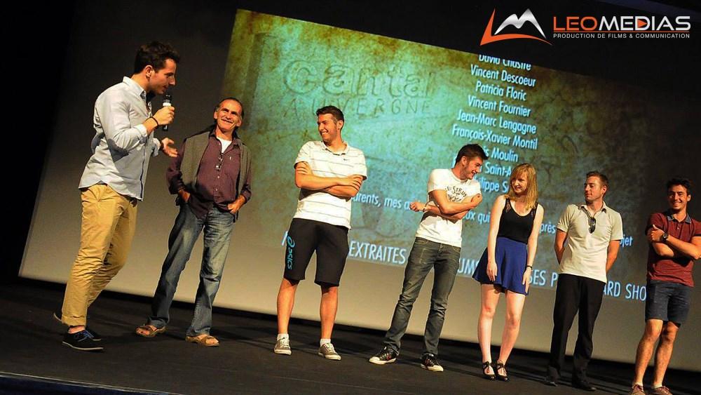 Léo Pons et son équipe lors de l'avant premiere du Hobbit du Cantal - LeoMedias