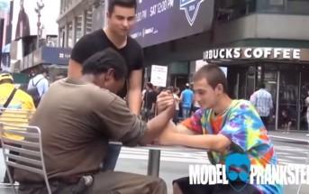 Un sans-abri fait un bras de fer pour gagner 100$ et fait quelque chose de vraiment poignant...