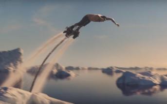 Pub WTF : il pêche à la main en FlyBoard au milieu des icebergs