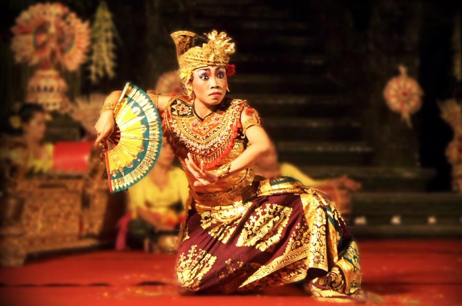 Danse traditionnelle indonesienne : les danses balinaises sont très sacrées à Bali en Indonésie