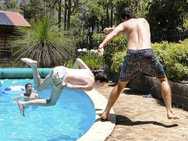 photo-prise-au-bon-moment-17-piscine-chute