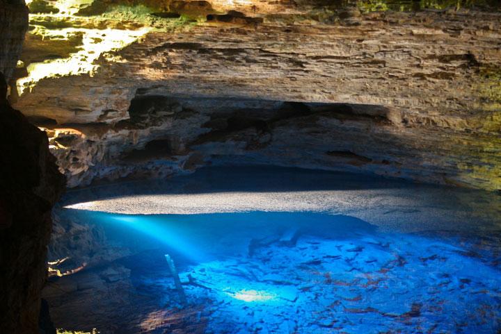 Le puits enchanté à Chapada Diamantina, Brésil