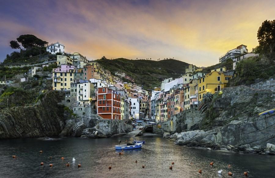 Le village de Riomaggiore dans les Cinque Terre, Italie