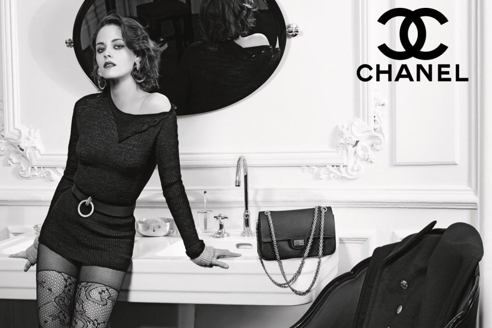 """Kristen Stewart sexy dans la publicité """"Paris in Rome"""" 2015/16 Métiers d'Art - CHANEL"""