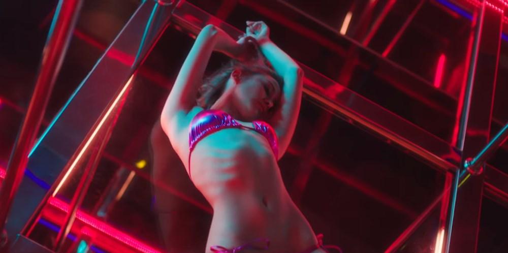 Sha Ley (WM Models) joue la danseuse sexy à Bangkok dans le clip 'Night Riders' de Major Lazer