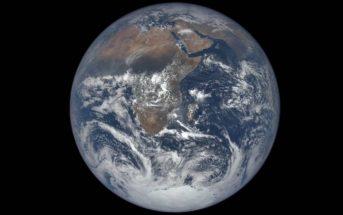 Timelapse : la Terre vue de l'espace pendant 1 an en 3mn