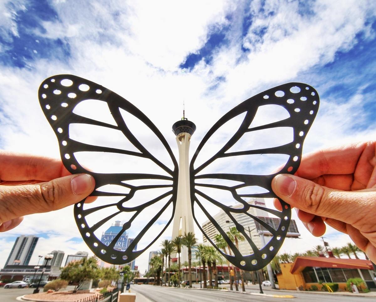 paperboyo : papillon - tour lvstratosphere à Las Vegas
