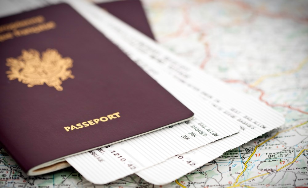 Quels papiers prendre pour voyager en plus du passeport ?