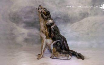 Bodypaint : on croirait un loup, mais c'est en réalité 3 femmes nues