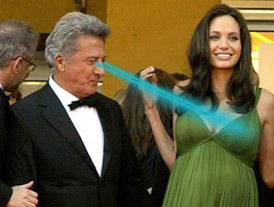 Dustin Hoffman en train de mater Angelina Jolie