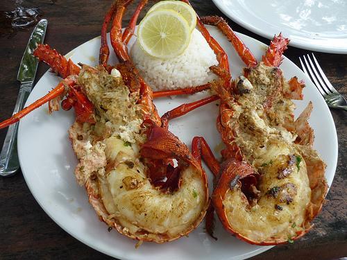 la langouste grillée, une spécialité culinaire guadeloupéenne
