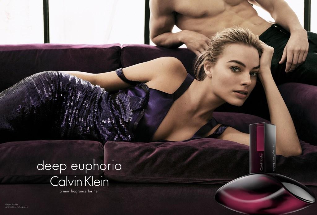 L'actrice Margot Robbie dans la pub du parfum Calvin Klein 'Deep Euphoria'
